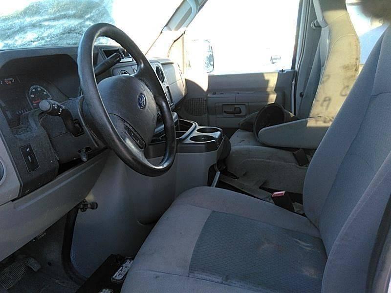 2014 Ford E-Series Wagon E-350 SD XLT 3dr Passenger Van - Denver CO