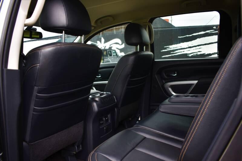 2017 Nissan Titan 4x4 SL 4dr Crew Cab - Miami FL