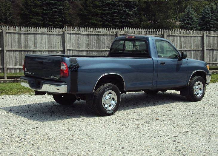 2005 Toyota Tundra 2dr Standard Cab 4WD LB V8 - Canton OH