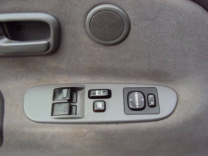 2006 Toyota Tundra SR5 4dr Access Cab 4WD SB (4.7L V8) - Canton OH