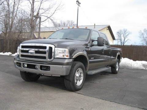 2006 Ford F-250 Super Duty for sale at GLOBAL AUTOMOTIVE in Gages Lake IL