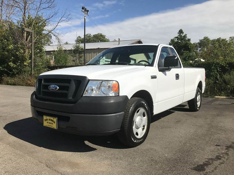 2008 Ford F-150 for sale at GLOBAL AUTOMOTIVE in Grayslake IL