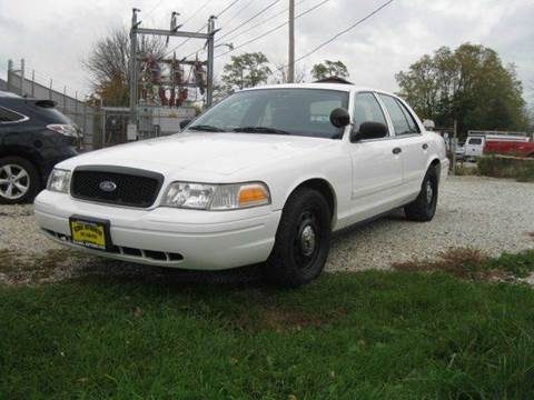 2009 Ford Crown Victoria for sale at GLOBAL AUTOMOTIVE in Gages Lake IL