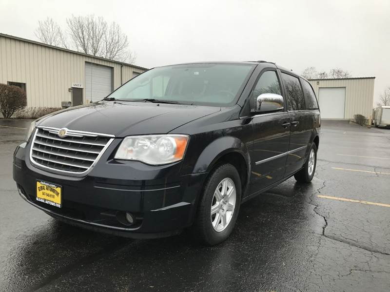 2010 Chrysler Town and Country for sale at GLOBAL AUTOMOTIVE in Gages Lake IL