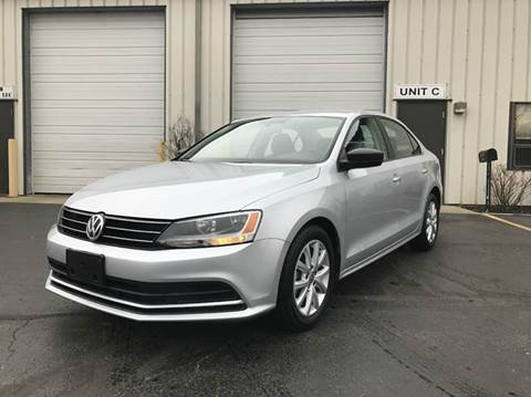 2015 Volkswagen Jetta for sale at GLOBAL AUTOMOTIVE in Gages Lake IL