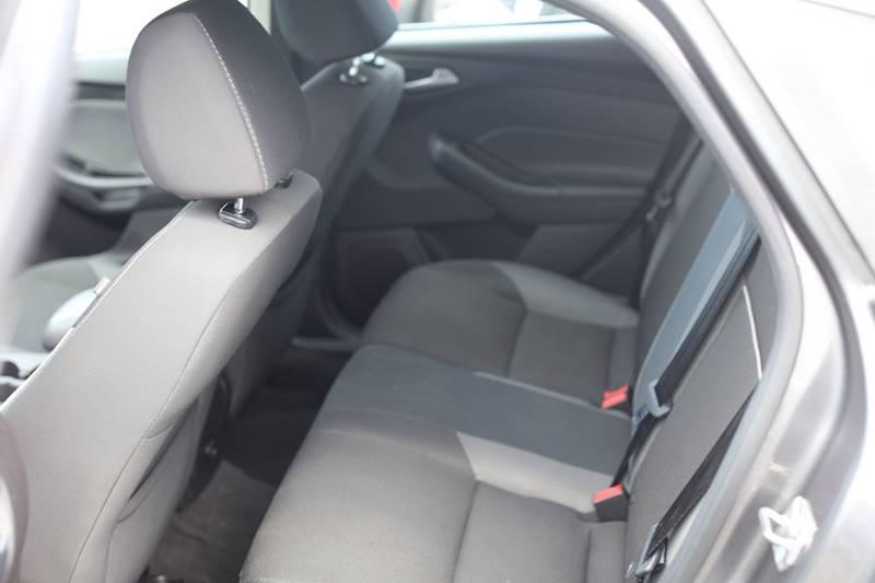 2014 Ford Focus SE 4dr Hatchback - Seattle WA