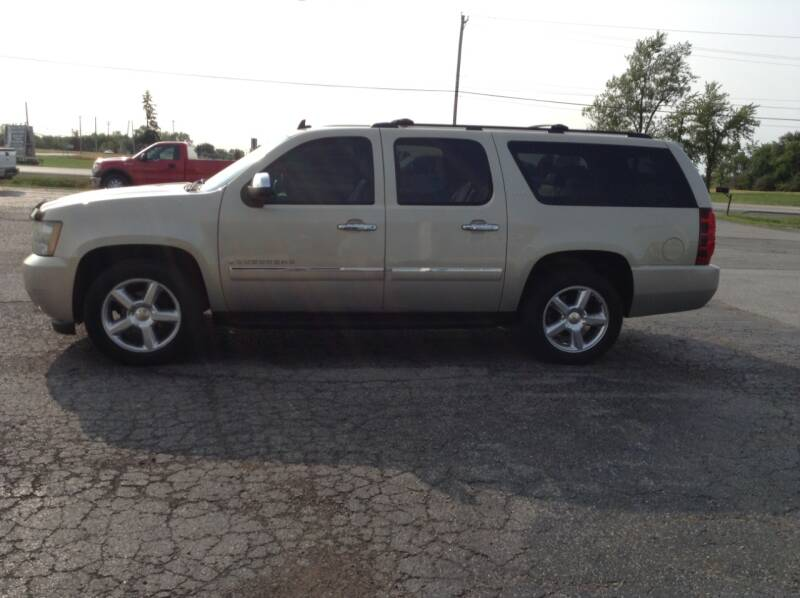 2009 Chevrolet Suburban for sale at Kevin's Motor Sales in Montpelier OH
