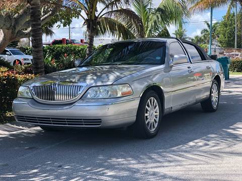 2006 Lincoln Town Car for sale at L G AUTO SALES in Boynton Beach FL