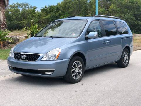 2014 Kia Sedona for sale at L G AUTO SALES in Boynton Beach FL