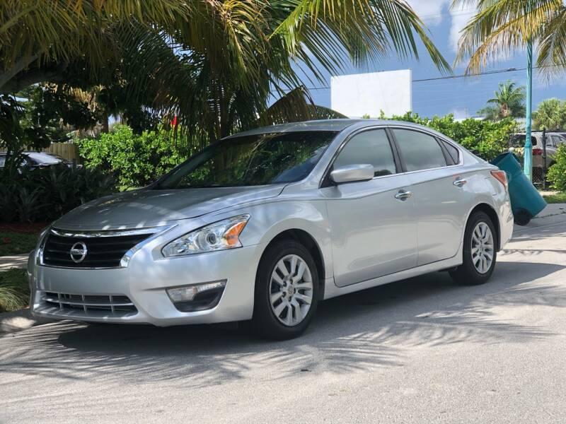 2013 Nissan Altima for sale at L G AUTO SALES in Boynton Beach FL