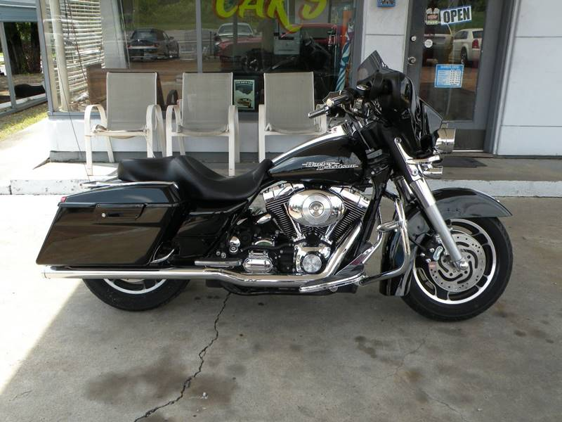 2006 Harley-Davidson Street Glide for sale at The Auto Lot and Cycle in Nashville TN