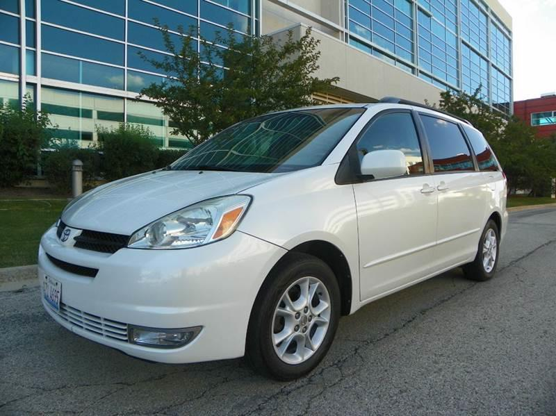 2004 Toyota Sienna for sale at VK Auto Imports in Wheeling IL