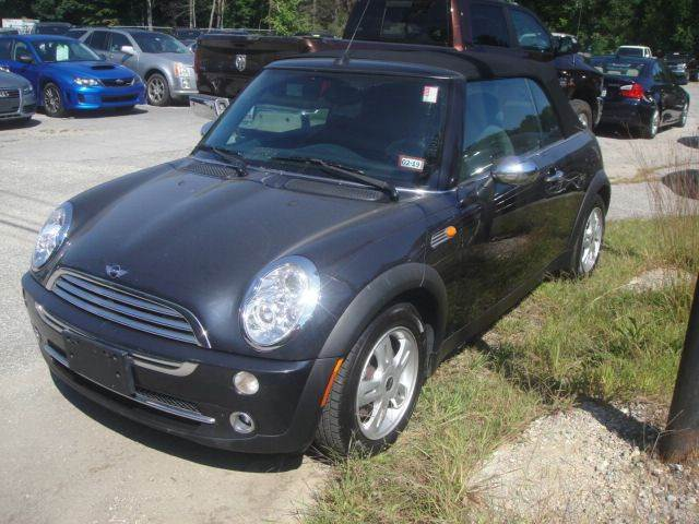 2005 MINI Cooper for sale at Manchester Motorsports in Goffstown NH