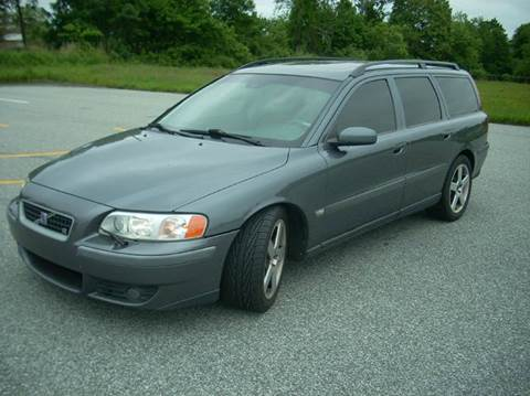 2004 Volvo V70 R for sale at SODA MOTORS AUTO SALES LLC in Newport RI