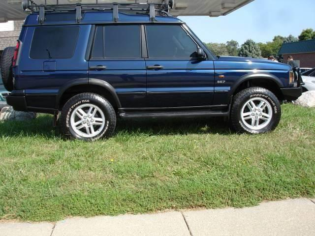 2003 Land Rover Discovery for sale at AUTOWORKS OF OMAHA INC in Omaha NE