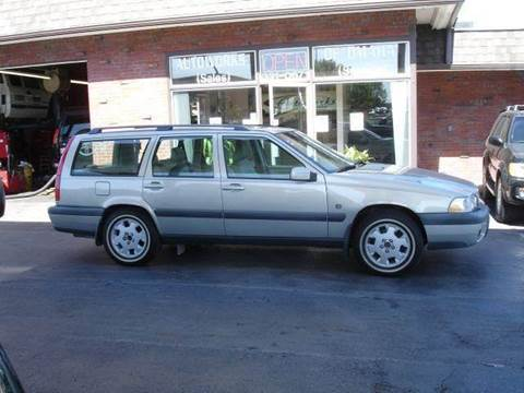 2000 Volvo V70 for sale at AUTOWORKS OF OMAHA INC in Omaha NE
