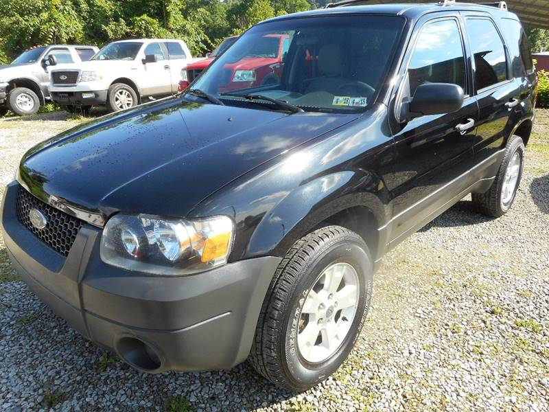 2005 Ford Escape for sale at Sleepy Hollow Motors in New Eagle PA