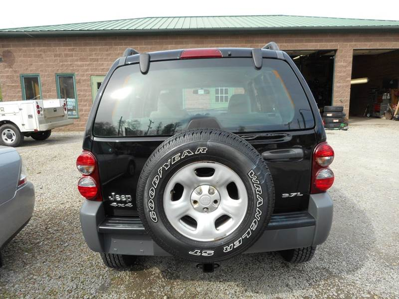2005 Jeep Liberty for sale at Sleepy Hollow Motors in New Eagle PA