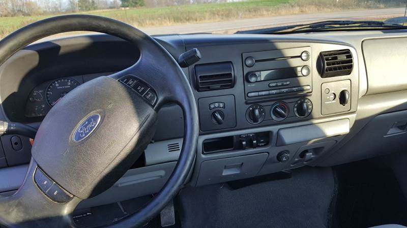 2006 Ford F-250 Super Duty XL 2dr Regular Cab 4WD LB - Wisconsin Rapids WI