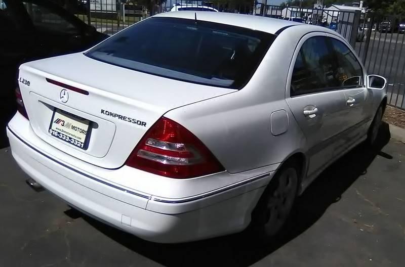 2005 Mercedes-Benz C-Class C 230 Kompressor 4dr Sedan In
