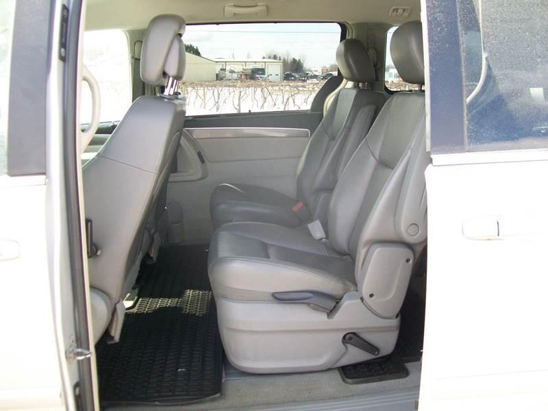 2010 Volkswagen Routan SE 4dr Mini-Van - North East PA