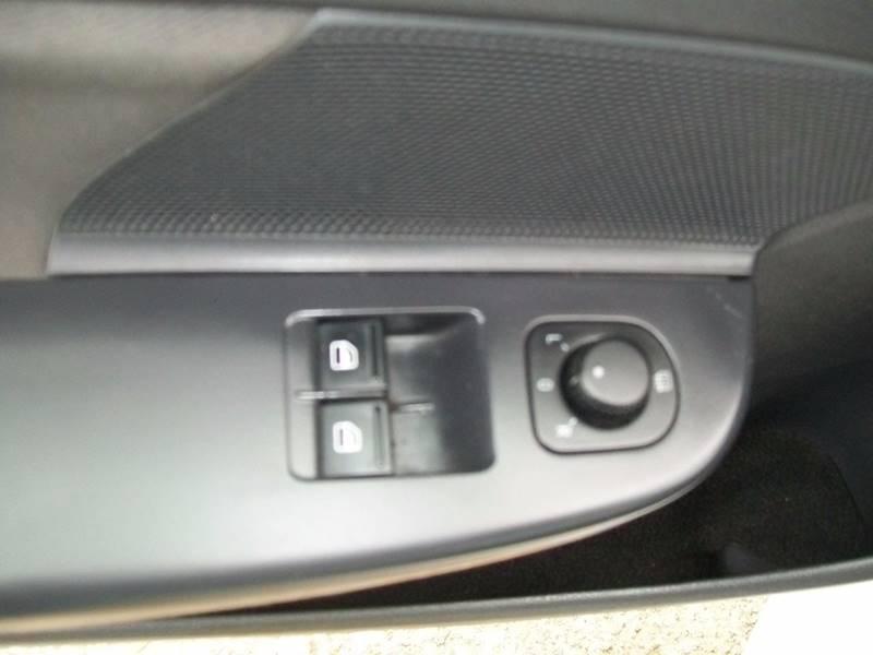 2008 Volkswagen Rabbit S 2dr Hatchback 6A - North East PA