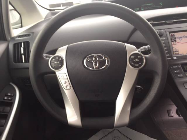 2010 Toyota Prius III 4dr Hatchback - Akron PA