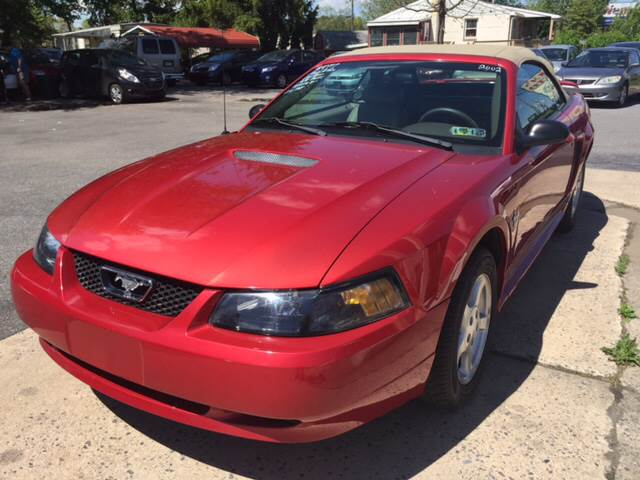 2002 Ford Mustang Deluxe 2dr Convertible - Akron PA