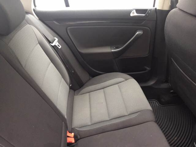 2011 Volkswagen Jetta SportWagen S PZEV 4dr Wagon 6A - Akron PA