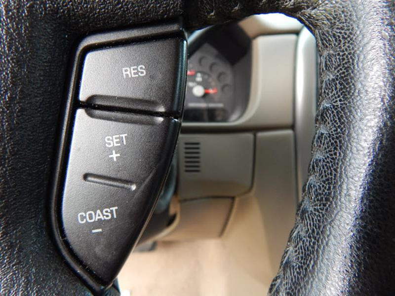2005 Ford Explorer 4dr XLT 4WD SUV - Madison TN