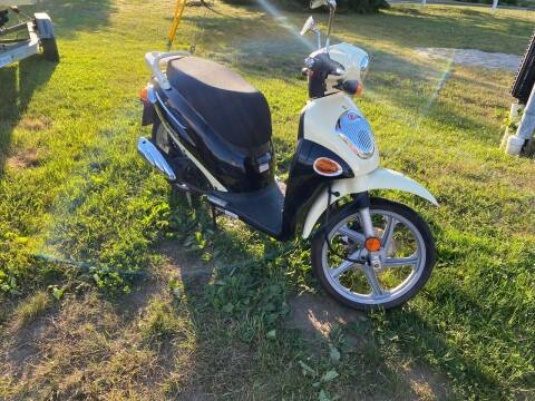 2009 Kymco 150cc People Super 8 for sale at R & R Motors in Queensbury NY