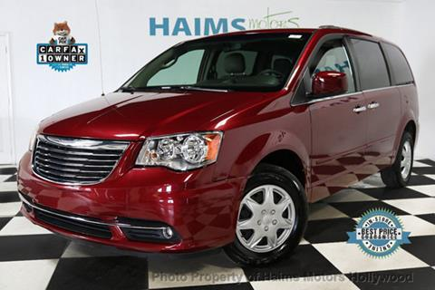 2015 Chrysler Town and Country for sale in Hollywood, FL