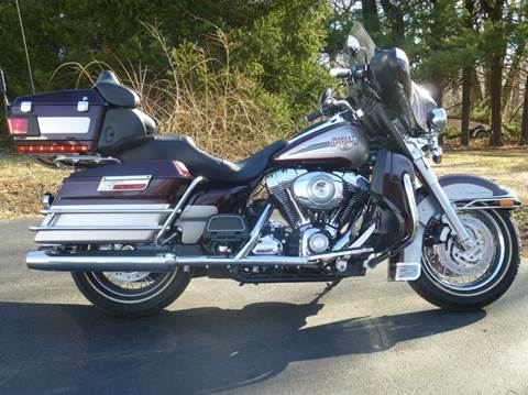 2007 Harley-Davidson Ultra Classic Electra Glide for sale at R & R AUTO SALES in Poughkeepsie NY