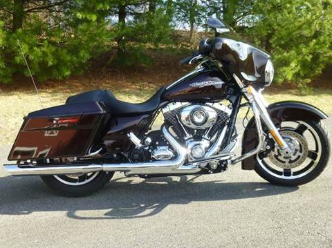 2011 Harley-Davidson Street Glide for sale at R & R AUTO SALES in Poughkeepsie NY