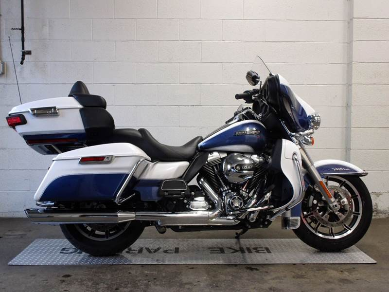 2015 Harley-Davidson Ultra Classic Electra Glide for sale at R & R AUTO SALES in Poughkeepsie NY