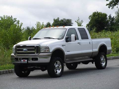 2006 Ford F-350 Super Duty for sale at R & R AUTO SALES in Poughkeepsie NY
