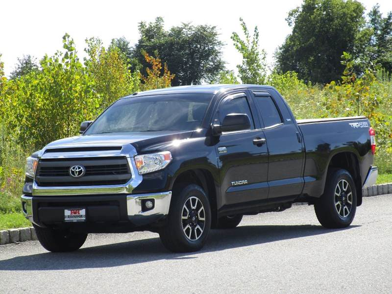 2015 Toyota Tundra for sale at R & R AUTO SALES in Poughkeepsie NY