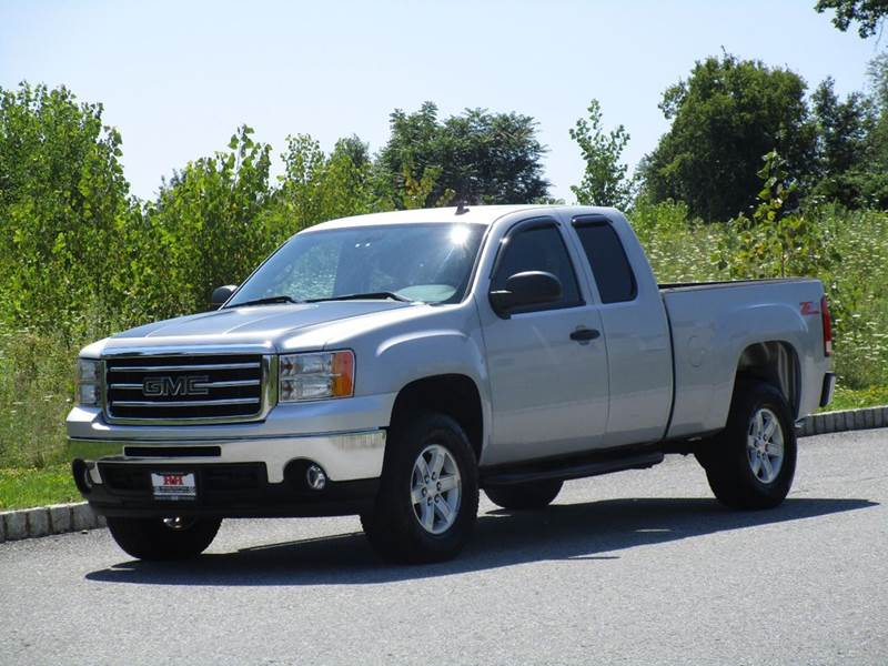 2013 GMC Sierra 1500 for sale at R & R AUTO SALES in Poughkeepsie NY