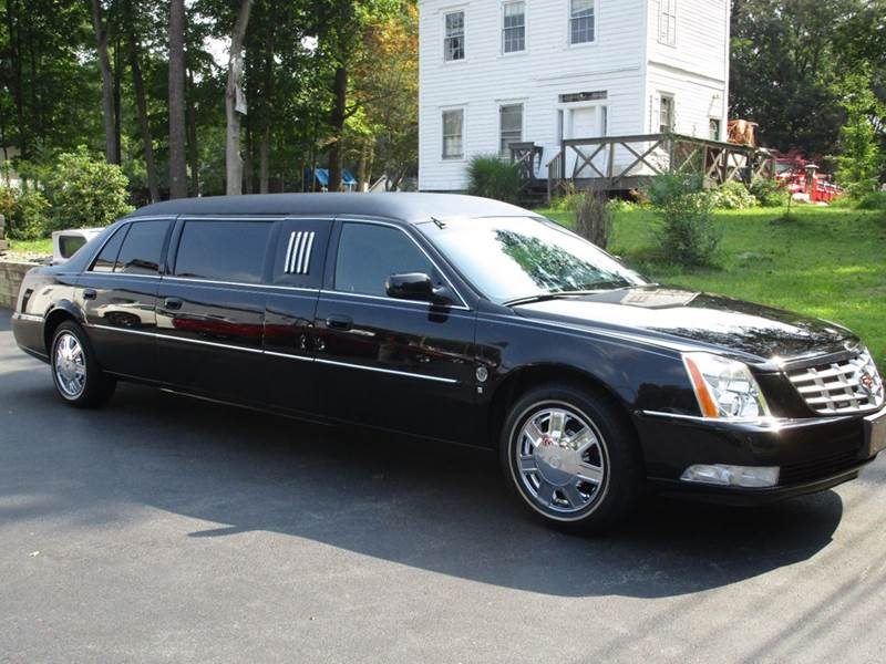 2006 Cadillac DTS for sale at R & R AUTO SALES in Poughkeepsie NY