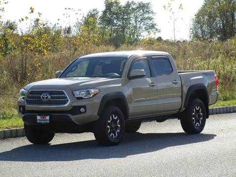2016 Toyota Tacoma for sale at R & R AUTO SALES in Poughkeepsie NY