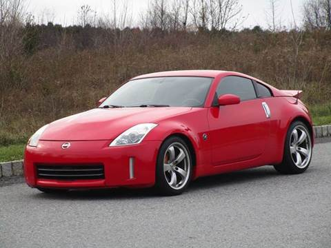2008 Nissan 350Z for sale at R & R AUTO SALES in Poughkeepsie NY