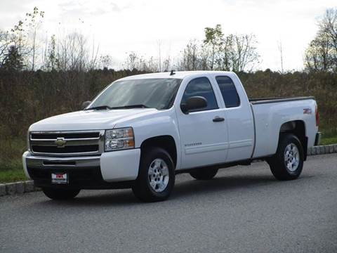 2009 Chevrolet Silverado 1500 for sale at R & R AUTO SALES in Poughkeepsie NY
