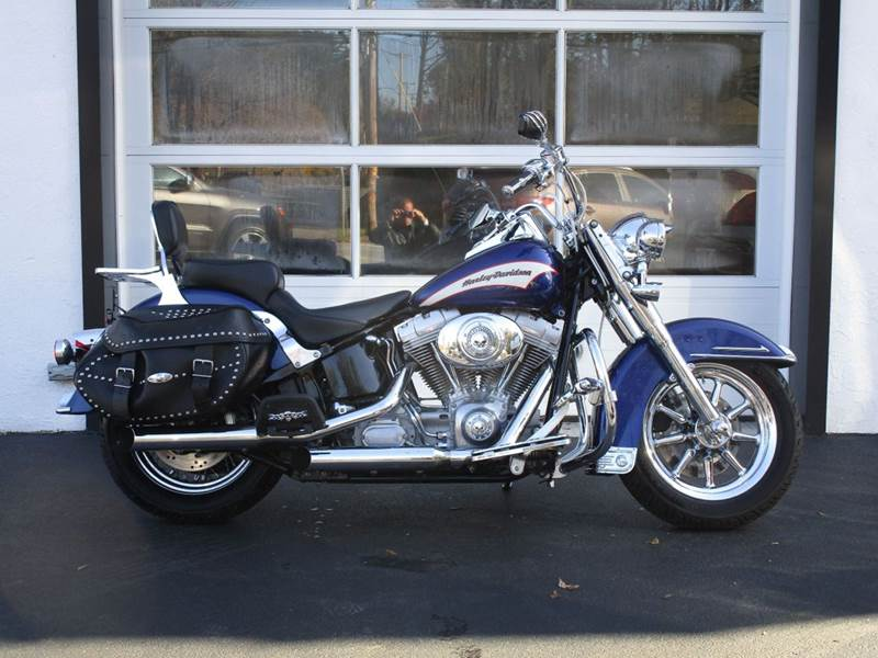2006 Harley-Davidson Heritage Softail Classic for sale at R & R AUTO SALES in Poughkeepsie NY