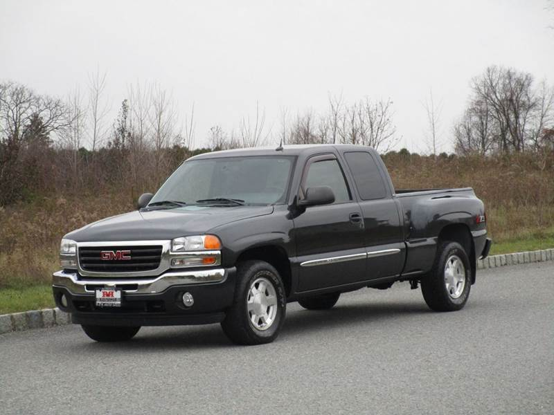 2005 GMC Sierra 1500 for sale at R & R AUTO SALES in Poughkeepsie NY