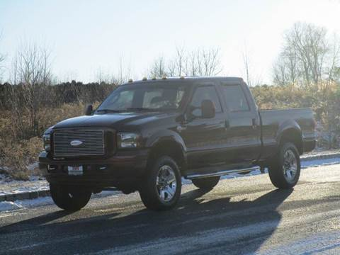 2006 Ford F-250 Super Duty for sale at R & R AUTO SALES in Poughkeepsie NY