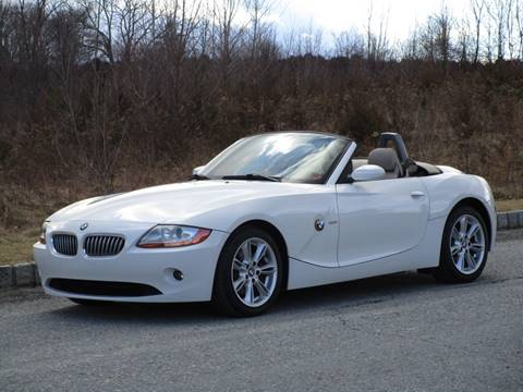 2003 BMW Z4 for sale at R & R AUTO SALES in Poughkeepsie NY