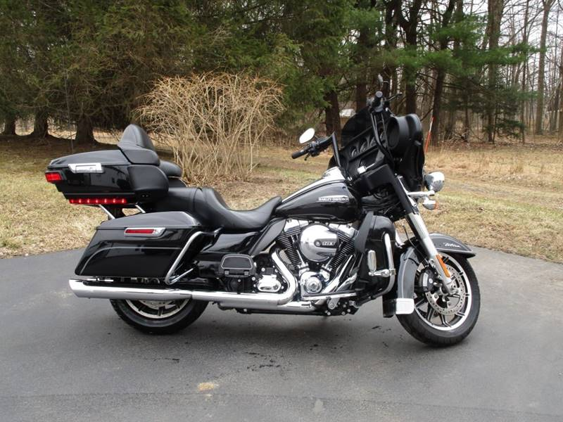 2016 Harley-Davidson Ultra Classic Electra Glide for sale at R & R AUTO SALES in Poughkeepsie NY