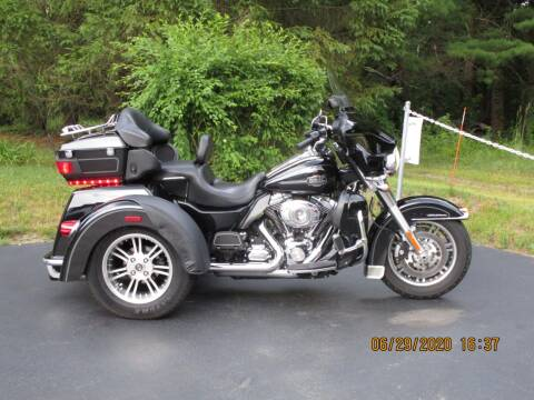 2012 Harley-Davidson Tri-Glide Ultra for sale at R & R AUTO SALES in Poughkeepsie NY