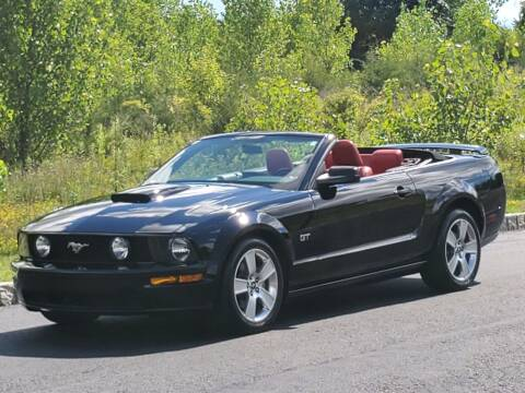 2007 Ford Mustang for sale at R & R AUTO SALES in Poughkeepsie NY