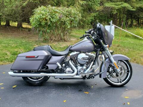 2015 Harley-Davidson Street Glide for sale at R & R AUTO SALES in Poughkeepsie NY